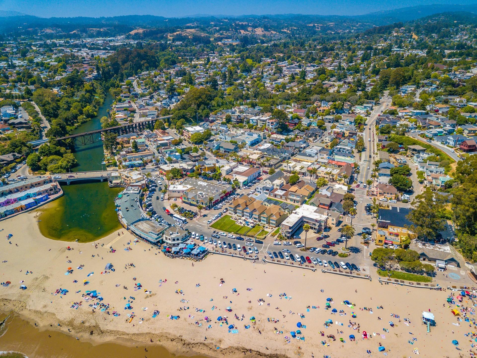 Santa Cruz Private Jet and Air Charter Flights