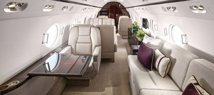Gulfstream G550 jet charter interior