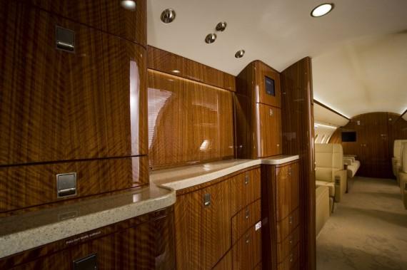 Challenger 605 interior 4