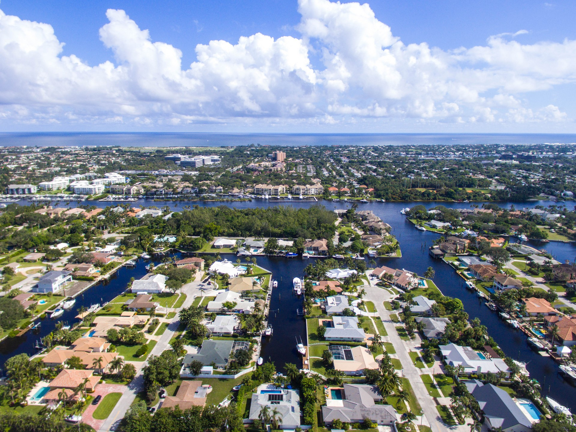 Palm Beach Gardens Private Jet and Air Charter Flights