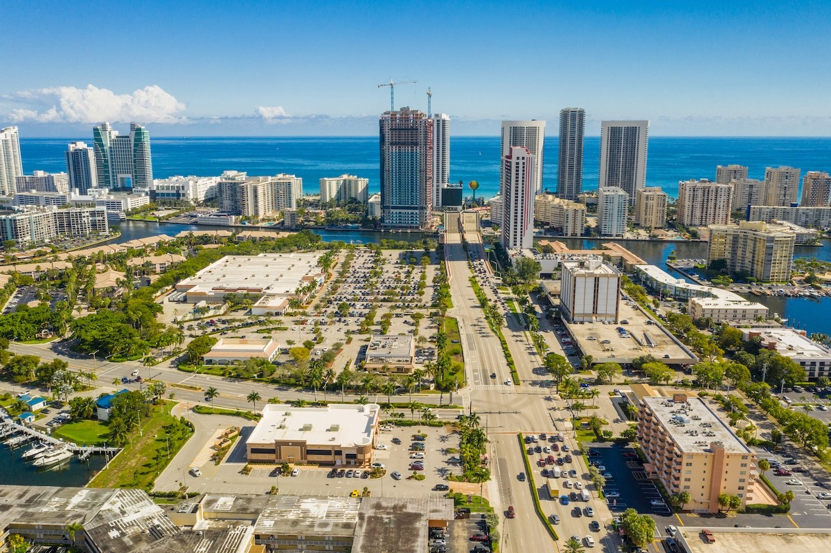 Hallandale Beach Private Jet and Air Charter Flights