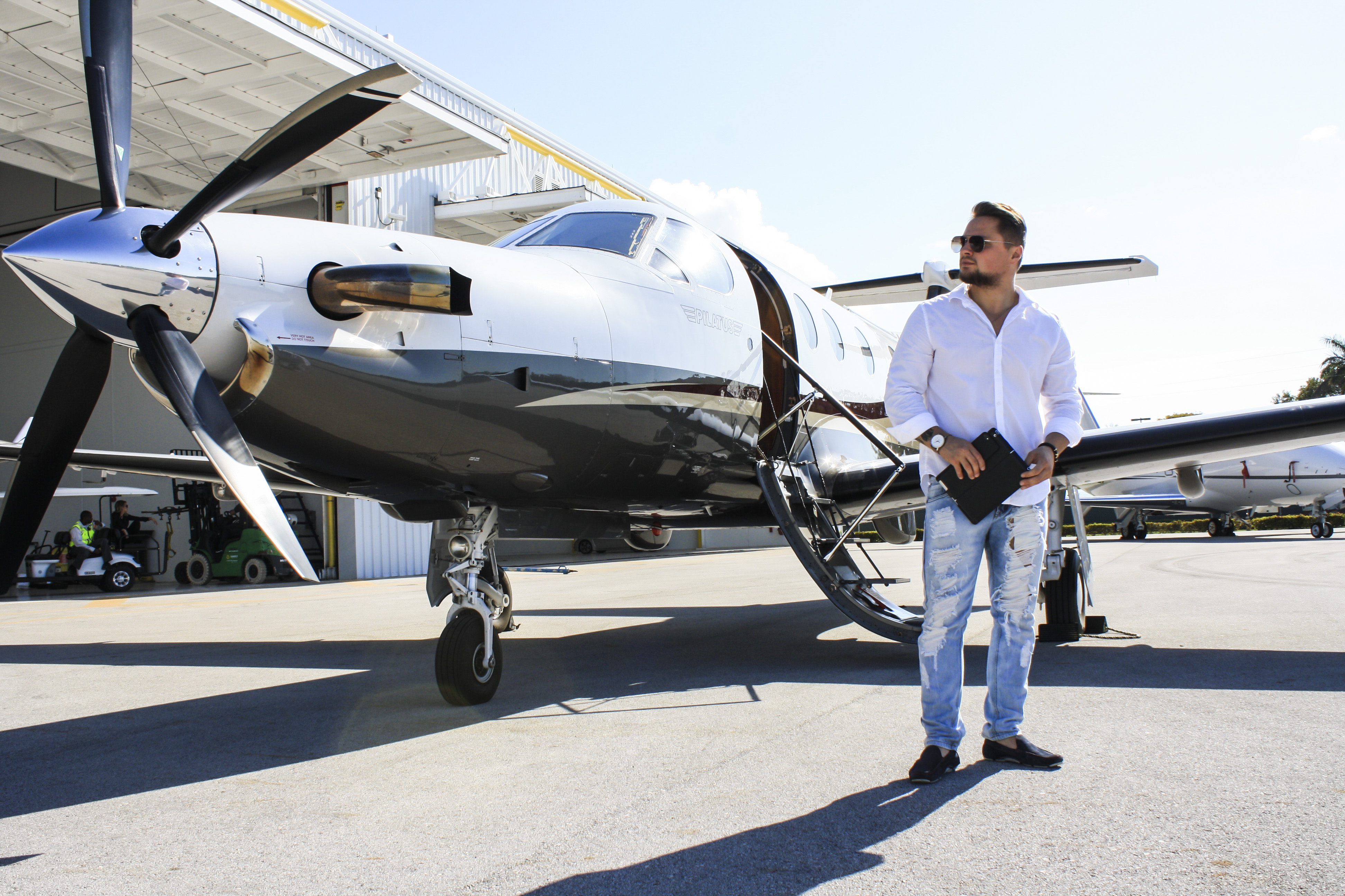 Bryant Private Jet and Air Charter Flights