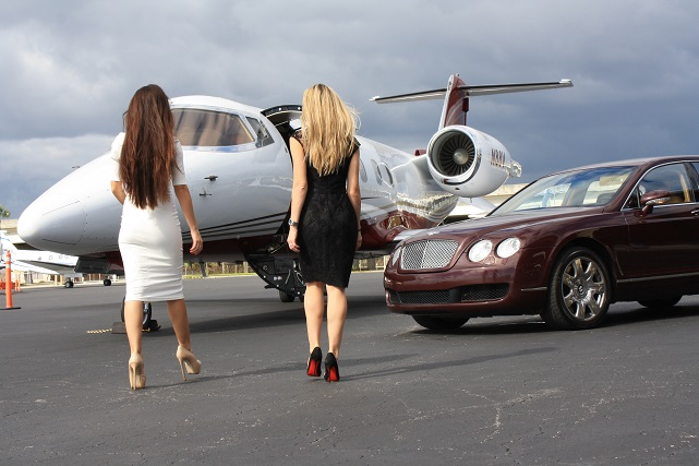 Explore Las Vegas This Summer with a Private Jet