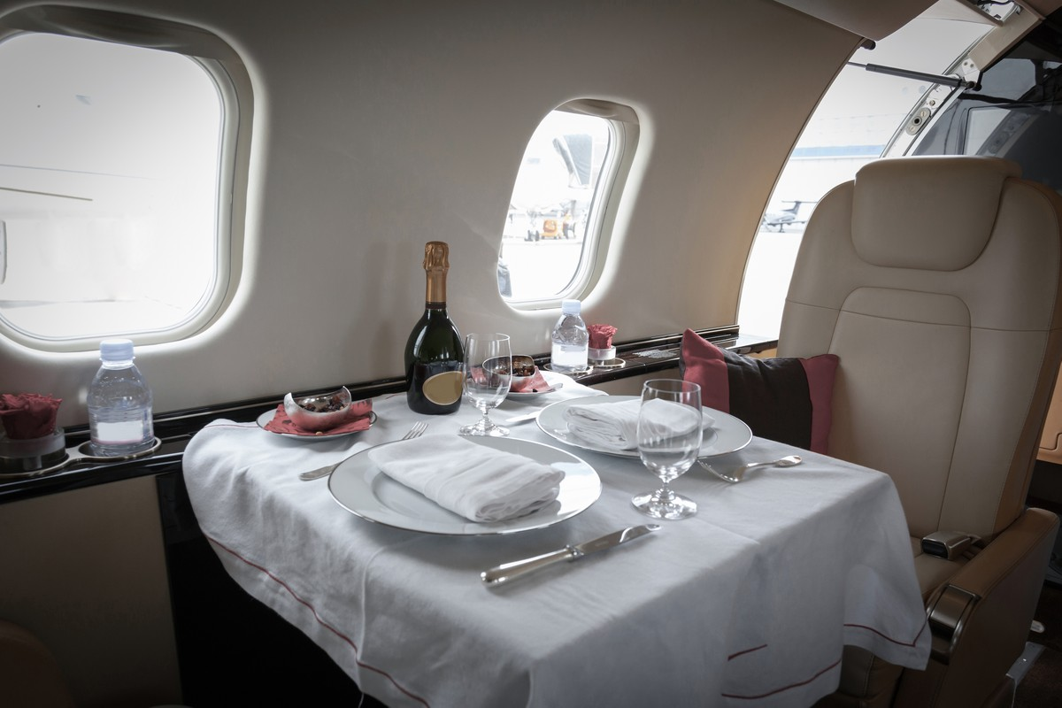 What are the Best Food Choices on your Private Jet Charter