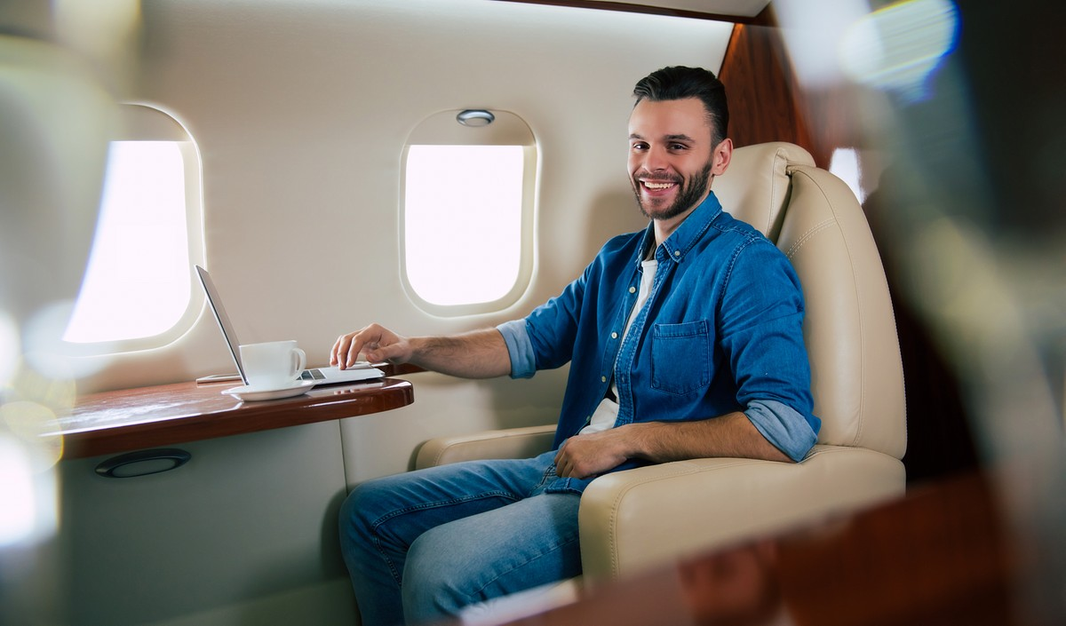 How to Charter a Private Flight