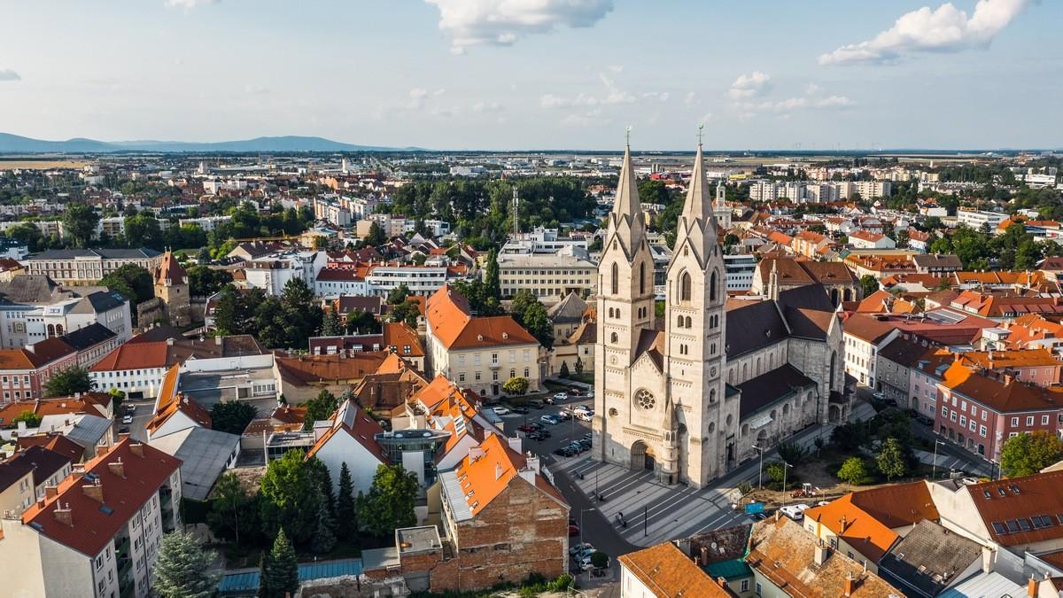 Wiener Neustadt Private Jet and Air Charter Flights