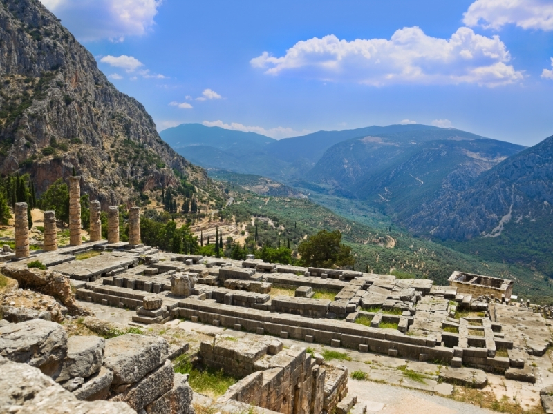 Delphi Private Jet and Air Charter Flights
