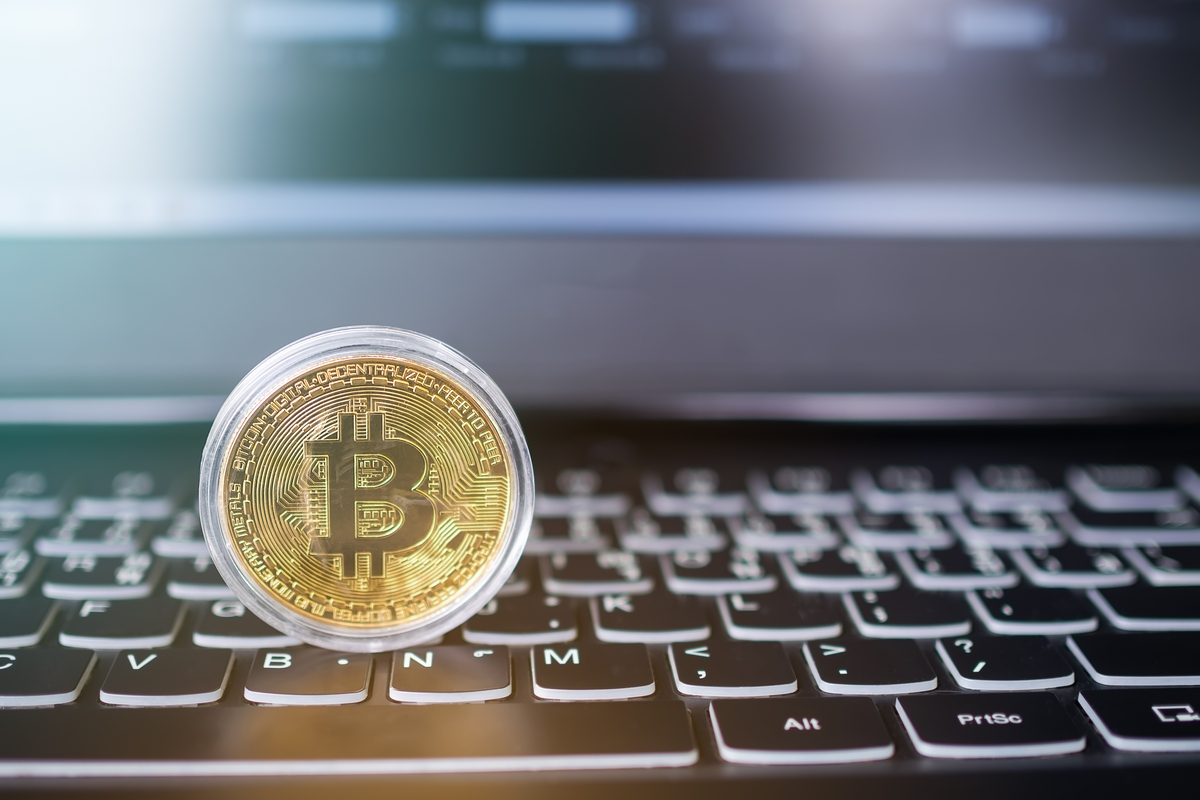 Bitcoin payments for private flights